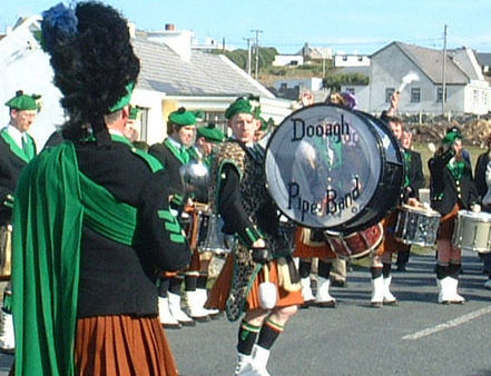 Dooagh Pipe Band drummer in action