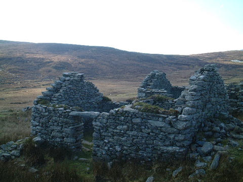 Cottage with lintel, deserted village, Slievemore